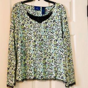 3/$20.00🎉 EUC  J.H. Collectibles Shirt